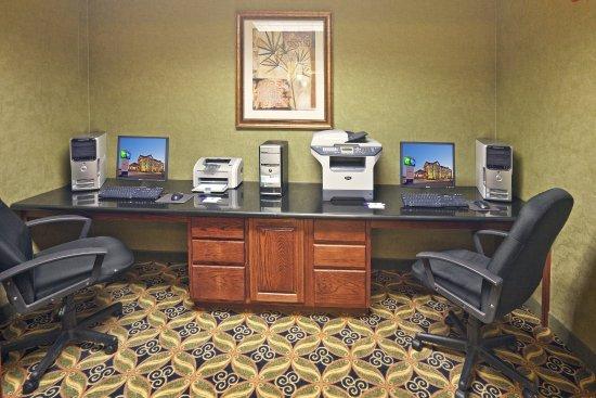 Shawnee, OK: Business Center