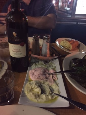 Astoria, estado de Nueva York: Appetizers and wine