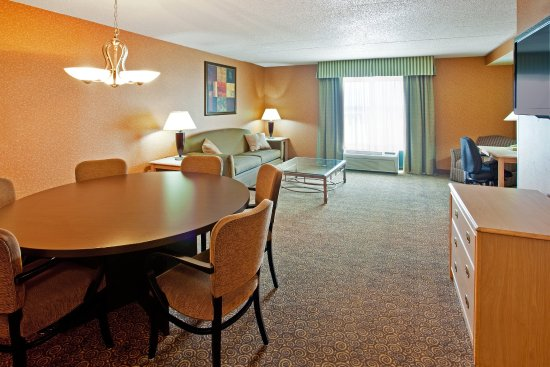 Hotel Presidential Suite at Holiday Inn Bolingbrook, IL