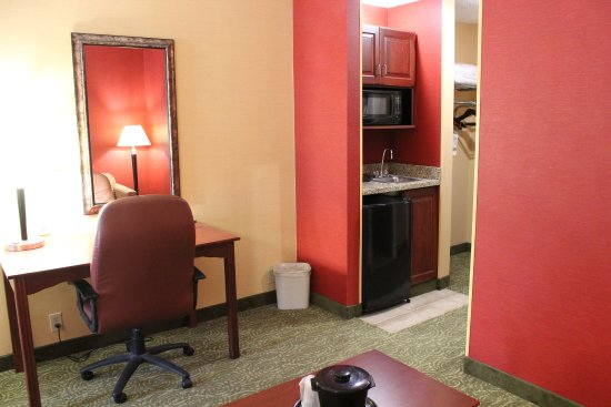 Troy, OH: All of our suite rooms have microwave and refridgerator