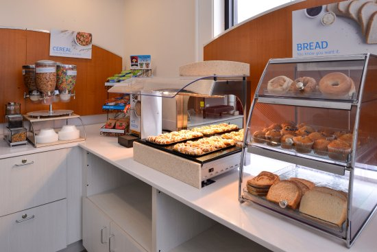 Holiday Inn Express Springfield: Express Start breakfast