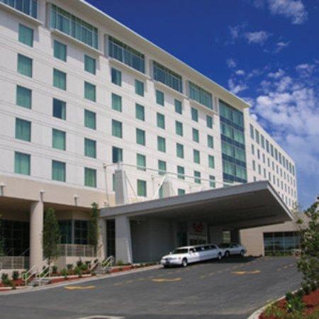 هاراز ميتروبوليس: Hotel Front