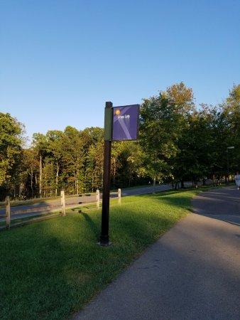 Cuyahoga Falls, OH: 駐車場への目印