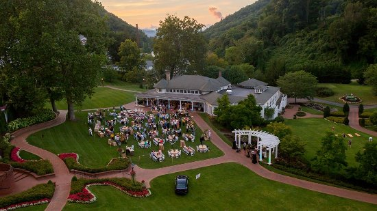 Hot Springs, VA: Casino Lawn Event