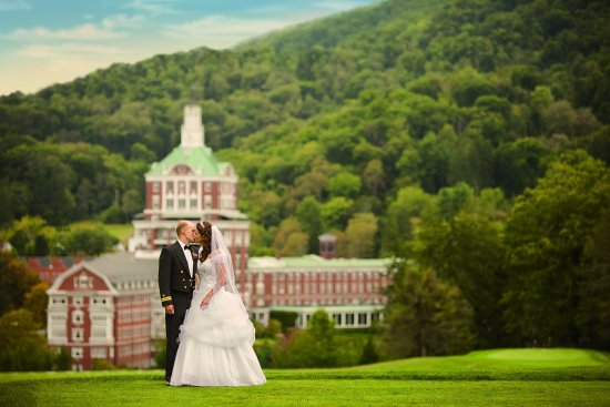 Hot Springs, VA: Bride and Groom