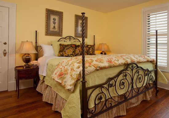 Blue Heron Inn - Amelia Island: Jasmine King 2nd Floor - Shower only
