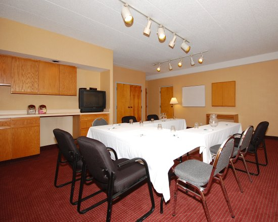 Elk Grove Village, IL: Meeting Room