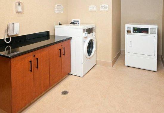 Милбрэй, Калифорния: Guest Laundry