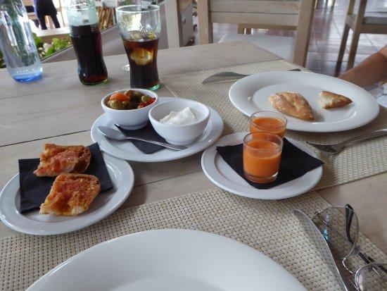 Sant Jordi, Spanyol: pan y aioli