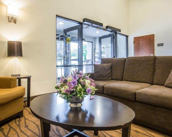 Sleep Inn & Suites of Lake George: NYLobby