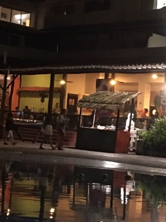 Isla Caribe Beach Hotel: This night diner was served outdoors in one restaurant, it was different and special