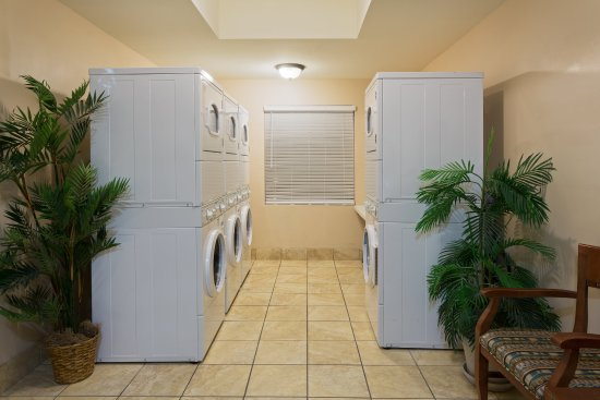 Staybridge Suites Tallahassee I-10 East: Complimentary Guest Laundry