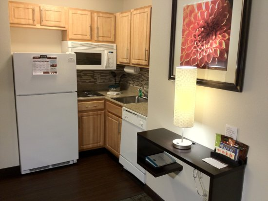Dublin, OH: Studio Suite Kitchen