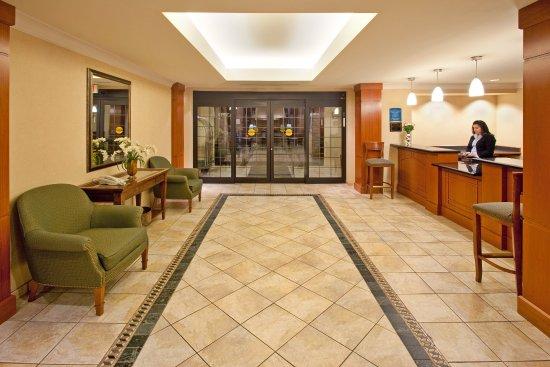 Aurora, IL: Hotel Lobby