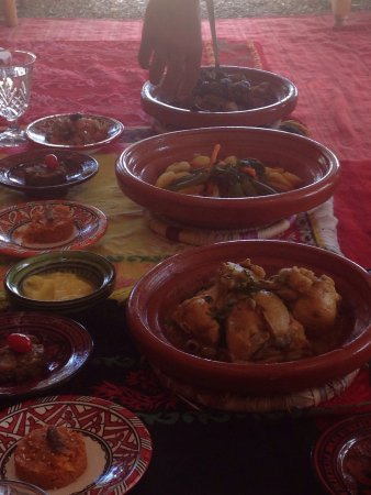 Moroccan food cooking with tarik lamb tangible chicken for Atelier cuisine marrakech