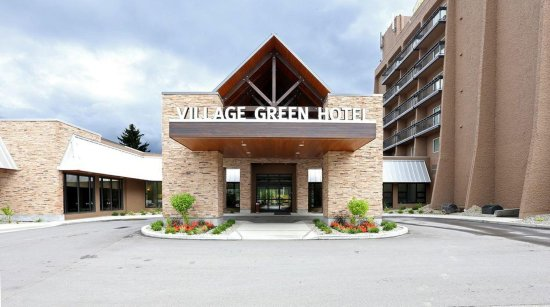 Village Green Hotel: Exterior view