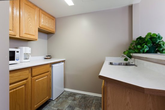 Vernon, Canada: Exec Suite Kitchenette