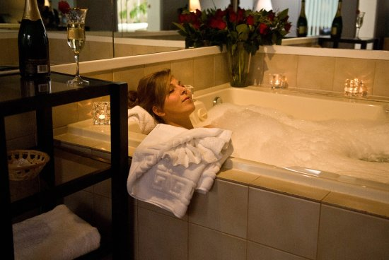 Вернон, Канада: Jacuzzi HM suite