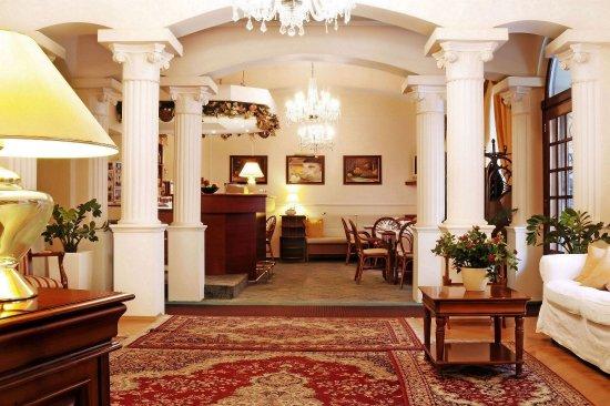 Louren Hotel: Reception/hall