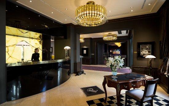 Le Palais Art Hotel Prague: Lobby