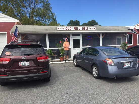 Easton, MD: Old Mill Deli