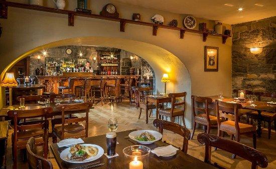 Bushypark, ไอร์แลนด์: Oak Cellar Bar