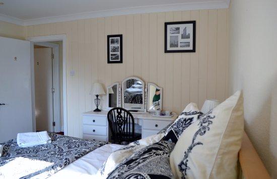 Kidlington, UK: The New Superior Black Rooms