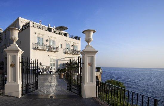 J.K. Place Capri: J.K. Place