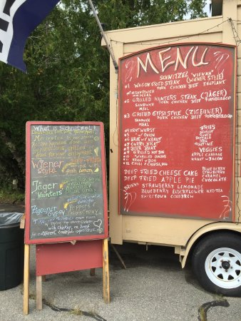 Machias, ME: Jo's World Famous Schnitzel Wagon
