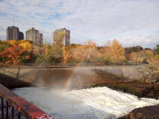 Оттава, Канада: Spot the rainbow!