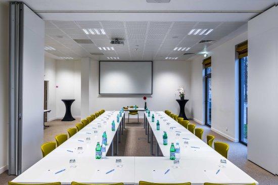 Velizy-Villacoublay, Γαλλία: Salle de séminaire au Best Western Plus Paris Vélizy