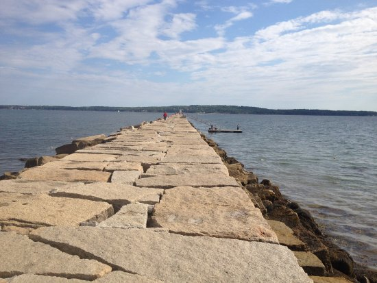 Rockland, ME: Pathway to Lighthouse