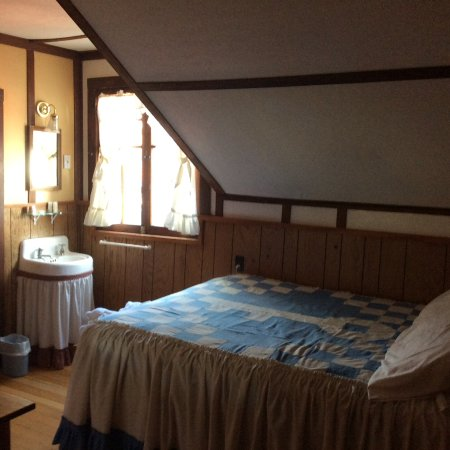 Baldpate Inn Key Room Collection: Comfy room