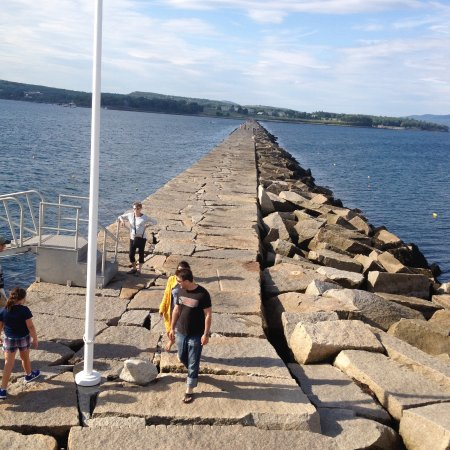 Rockland, Мэн: Looking back to land