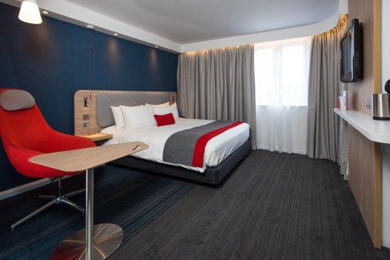 Ντάρτφορντ, UK: You'll now find handy USB ports next to your comfy bed