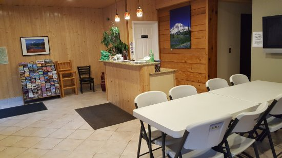Packwood, วอชิงตัน: Lobby and set up for breakfast