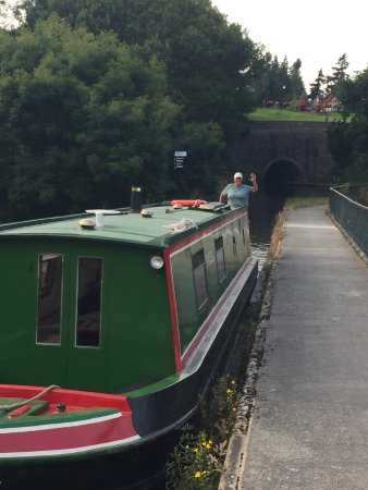 Chirk, UK: Traveling the canal