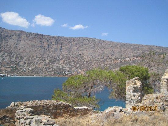 Elounda, Grèce : vista da una delle rovine di spinalonga