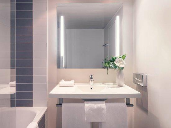 Vanves, Francia: Guest Room