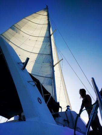 Simpson Bay, St. Maarten/St. Martin: Under sail.