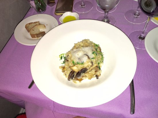 Berkeley Heights, NJ: Mushroom risotto, Fresh cod with littlenecks and chorizo; filet mignon, and roasted chicken.  Ex
