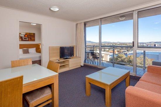 Metro Hotel & Apartments Gladstone : One Bedroom Apartment