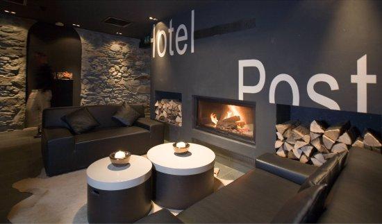 Unique Hotel Post: Lobby
