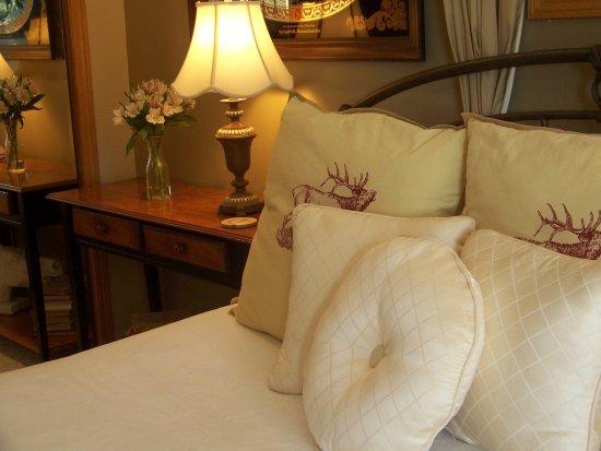 Elk Ridge Bed & Breakfast: The spacious mastersuite