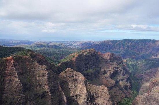 Mauna Loa Helicopters Tours: Waimea Canyon