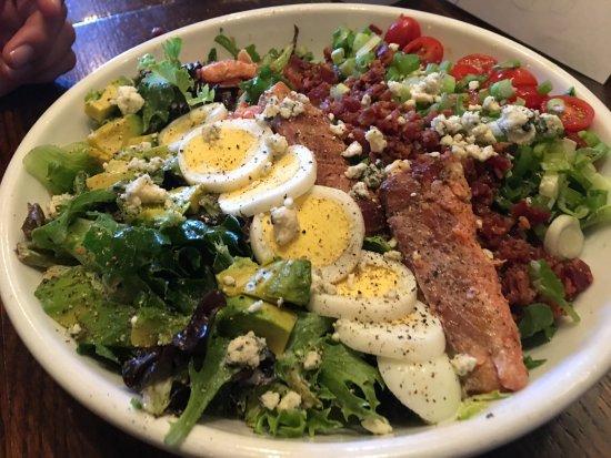 Harvest Restaurant: What a Salad