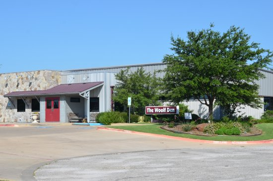 Gainesville, TX: Outside View