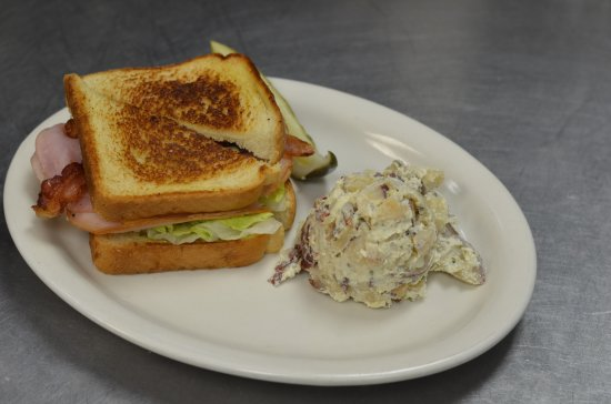 ‪‪Gainesville‬, تكساس: Club Sandwich with Baked Potato Salad‬