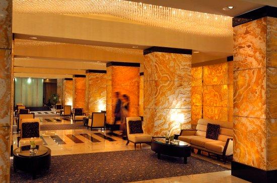 InterContinental Abu Dhabi: Hotel Lobby