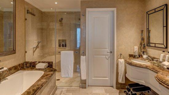 Kempton Park, Sydafrika: Suite Bathroom